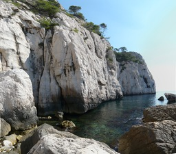 Calanque_pierres_tombees_1.jpg